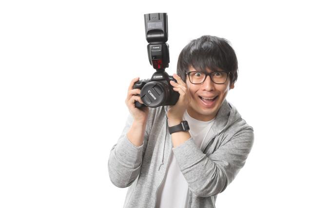 「キャノンではなくキヤノンです!」とドヤ顔で語るカメラブロガーの写真
