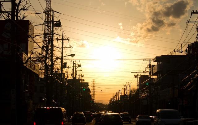 夕暮れの渋滞の写真