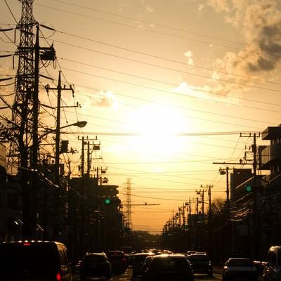 「夕暮れの渋滞」の写真素材