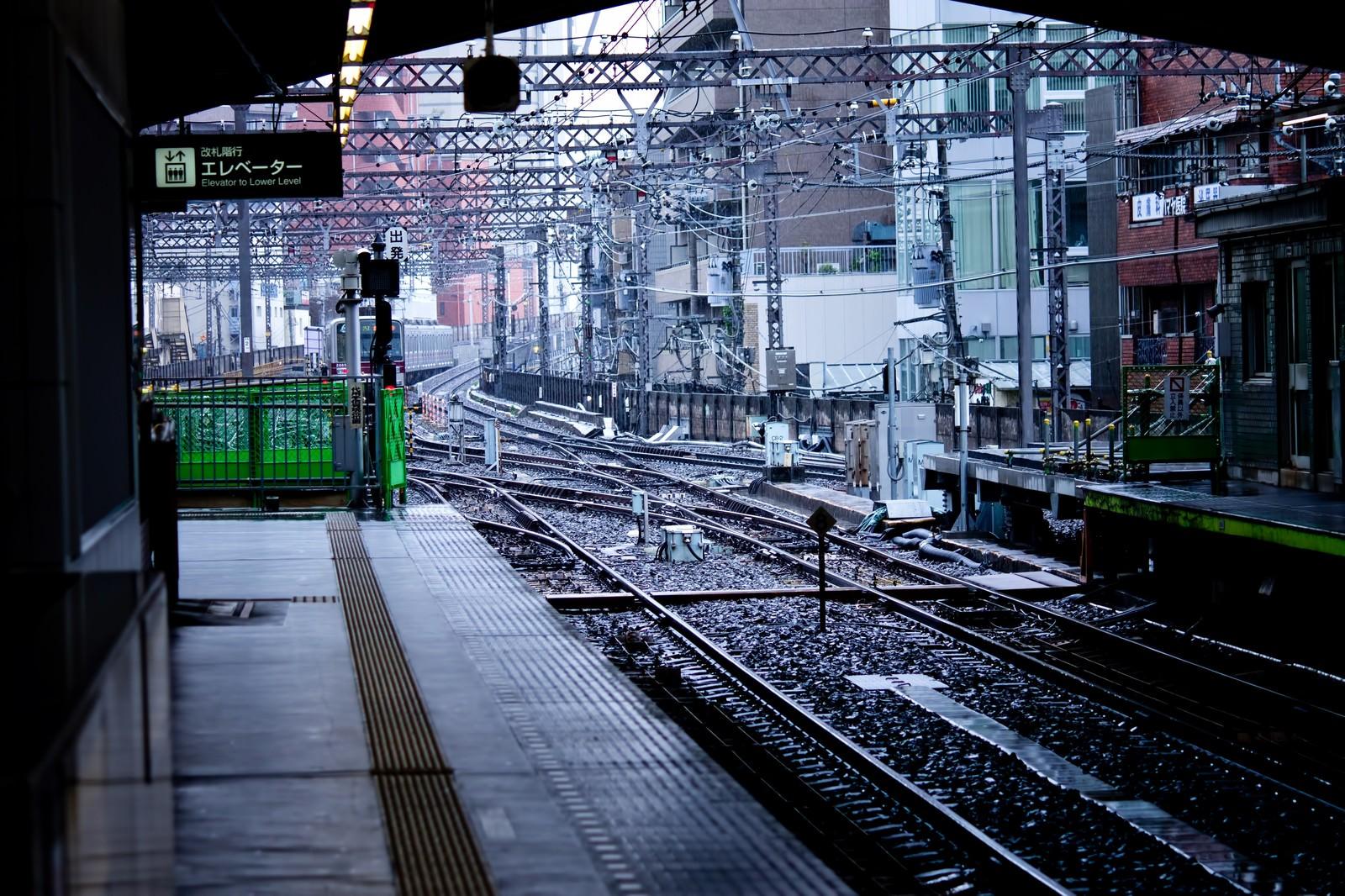 「駅のホームからの景色」の写真