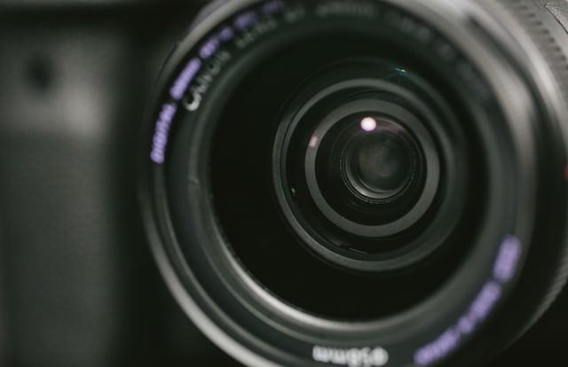 一眼レフのレンズ玉の写真