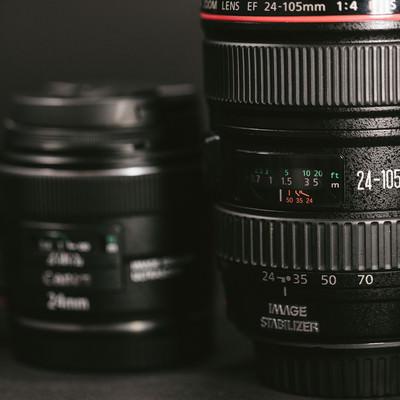 「24-105mmの標準ズームレンズ」の写真素材