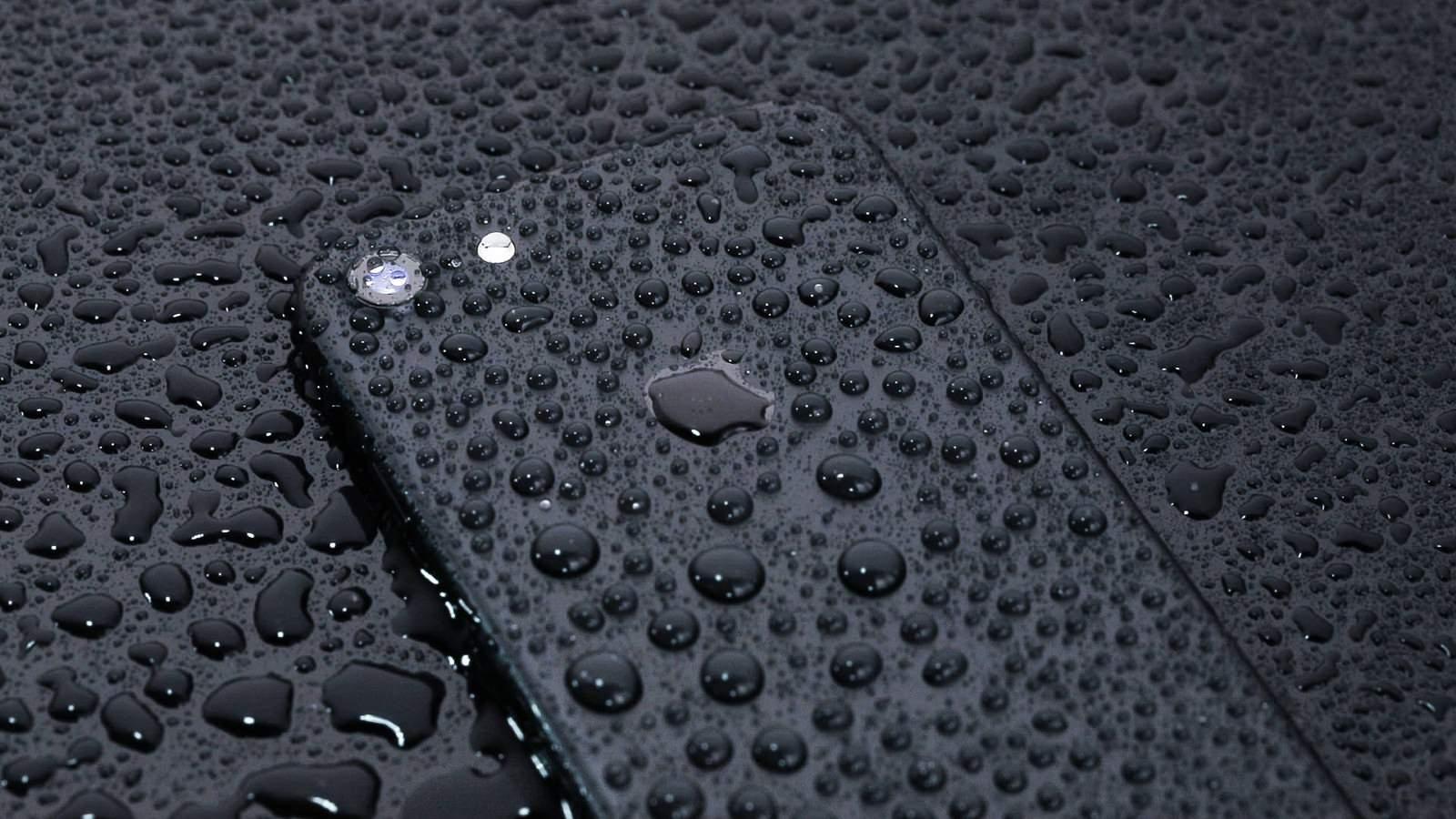 耐水仕様の最新スマートフォン|フリー写真素材・無料ダウンロード-ぱくたそ
