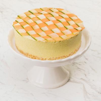 「ズッキーニと人参の甘みがあるヘルシーな「ベジデコケーキ」」の写真素材