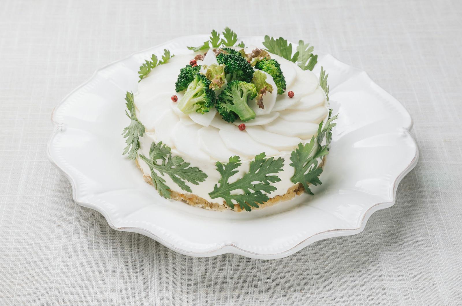 「ビタミンと食物繊維がたっぷりデトックス「ベジデコグリーンケーキ」」の写真