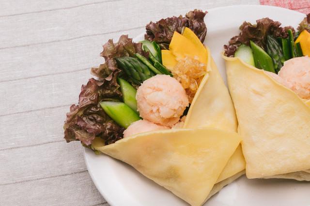 ヘルシーでボリューミーな「明太ポテトと野菜のベジクレープ」の写真