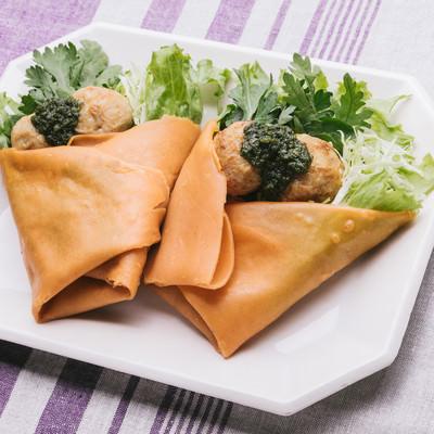 「食物繊維たっぷり!「ジェノベーゼのベジクレープ 」」の写真素材