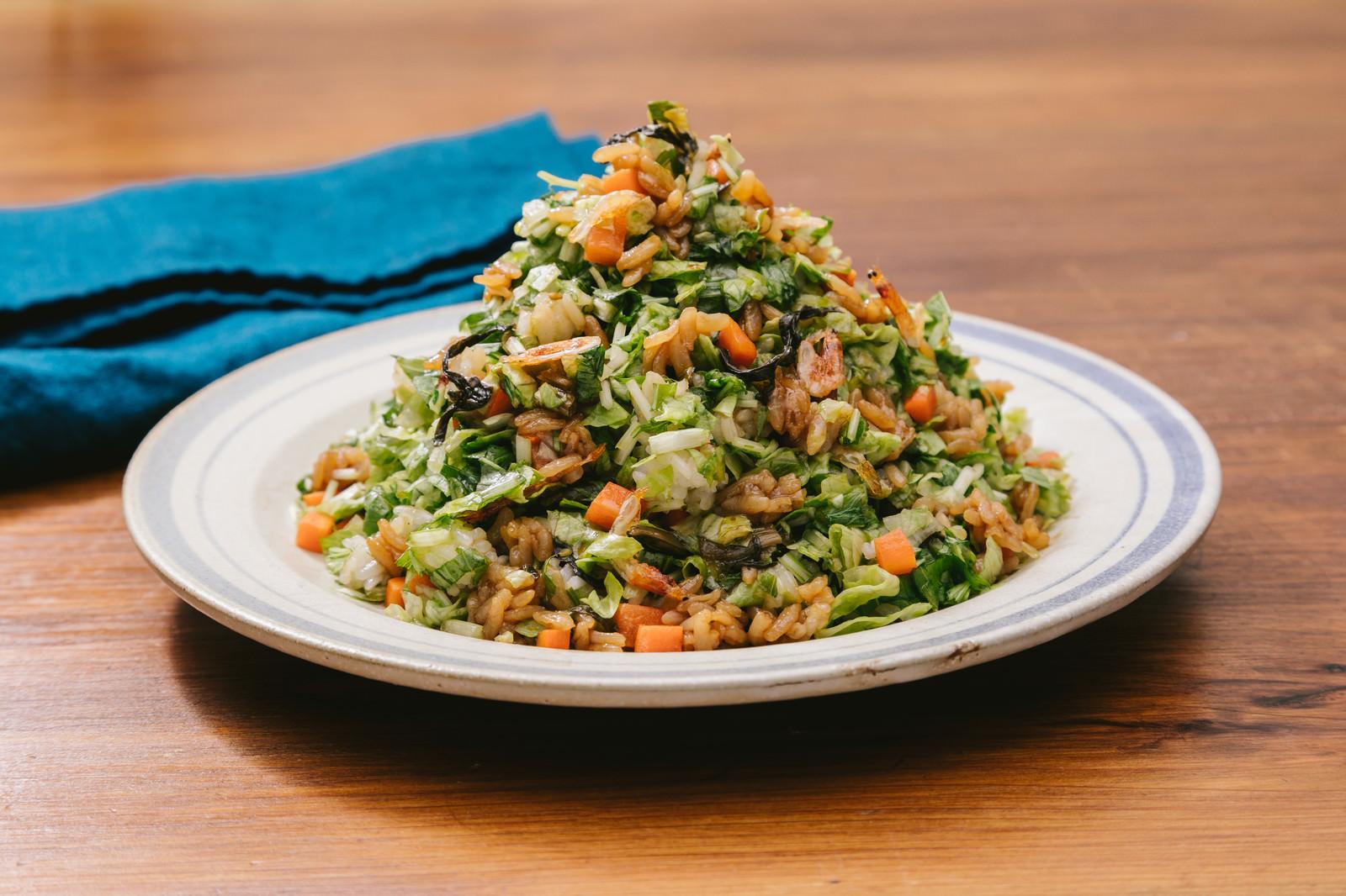 「いっぱい食べても低カロリー「大盛りダイエット高菜チャーハン」いっぱい食べても低カロリー「大盛りダイエット高菜チャーハン」」のフリー写真素材を拡大