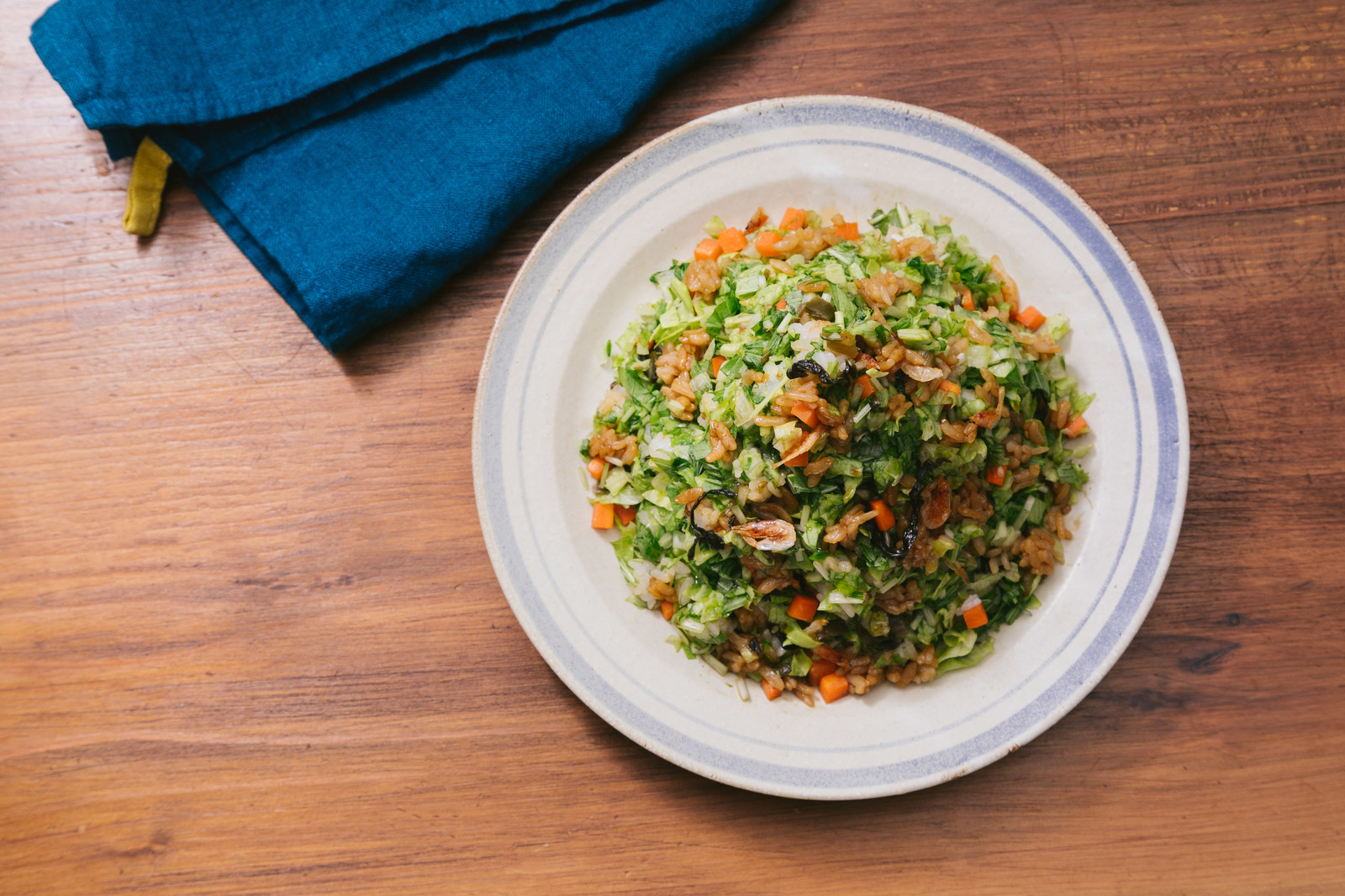 「シャッキシャキの野菜と高菜のうま味!「大盛りダイエット高菜チャーハン」」の写真