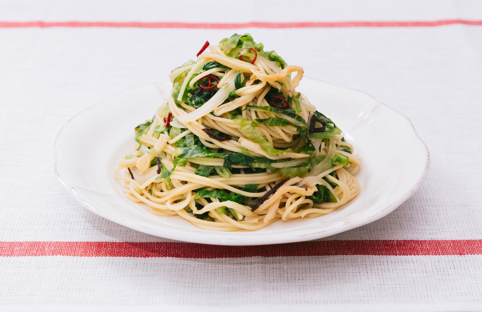 「ダイエット中に積極的に食べたい美味しいパスタ「大盛りダイエットペペロンチーノ」」の写真