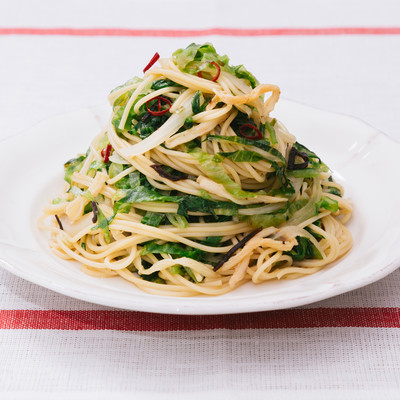 「ダイエット中に積極的に食べたい美味しいパスタ「大盛りダイエットペペロンチーノ」」の写真素材