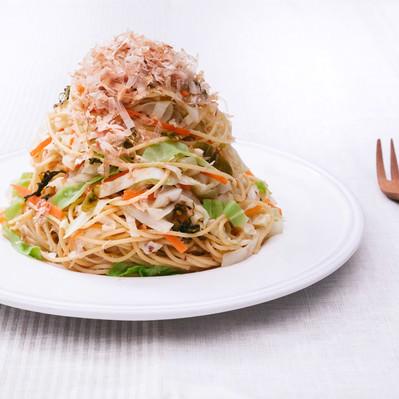 「炭水化物も食べながら痩せたい人のための「キャベツ大盛りダイエットパスタ 」」の写真素材