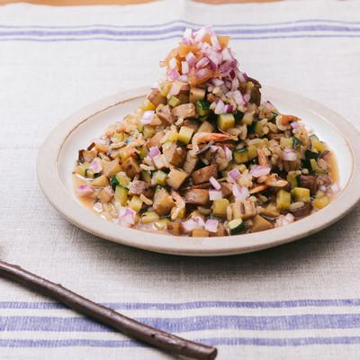 「お米大好きだけど炭水化物を控える方には「大盛りダイエット和風リゾット」」の写真素材
