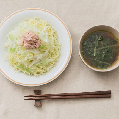 「スパイスの香味と酸味が秘訣!「大盛りダイエットカレーつけ麺」」の写真素材