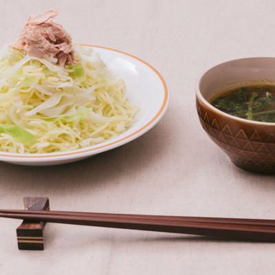 「低カロリーでも大満足「大盛りダイエットカレーつけ麺」」の写真素材