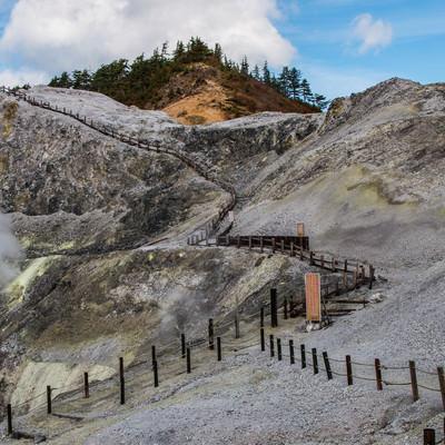立入禁止になった川原毛地獄の登山道の写真