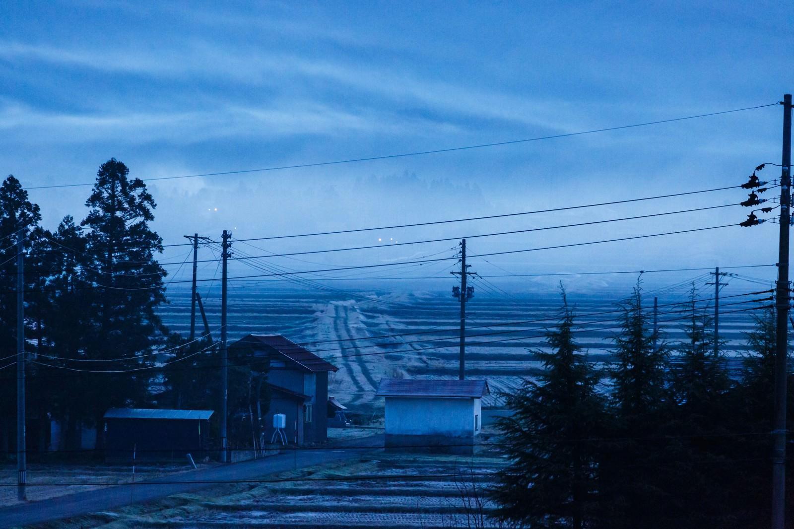 「田舎の朝靄」の写真