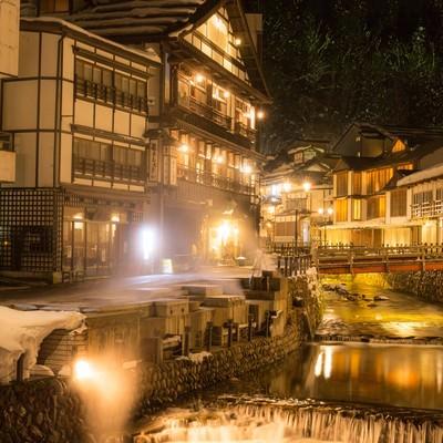 「夜の銀山温泉」の写真素材