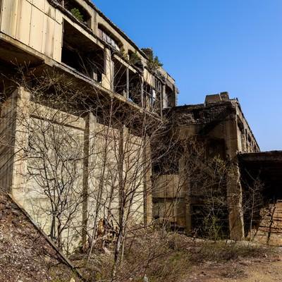 「不気味な尾去沢鉱山跡」の写真素材