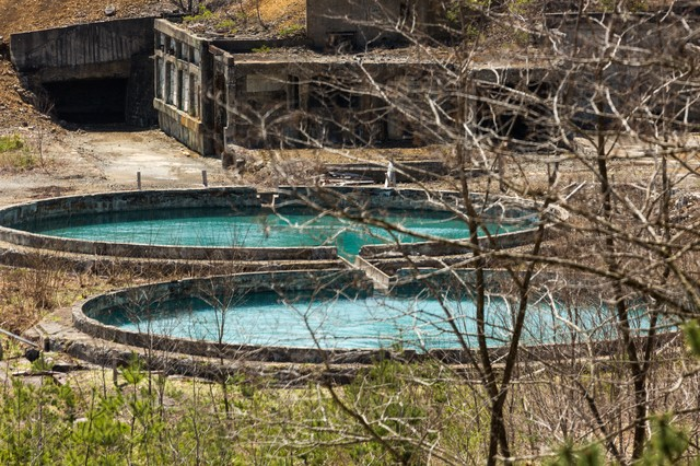 尾去沢鉱山の水槽の写真
