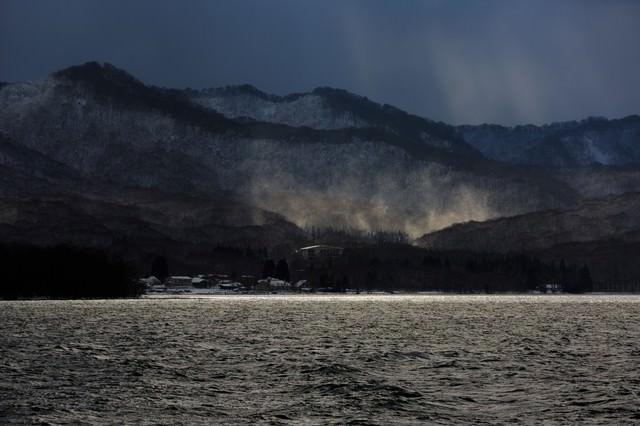 冬の十和田湖の写真