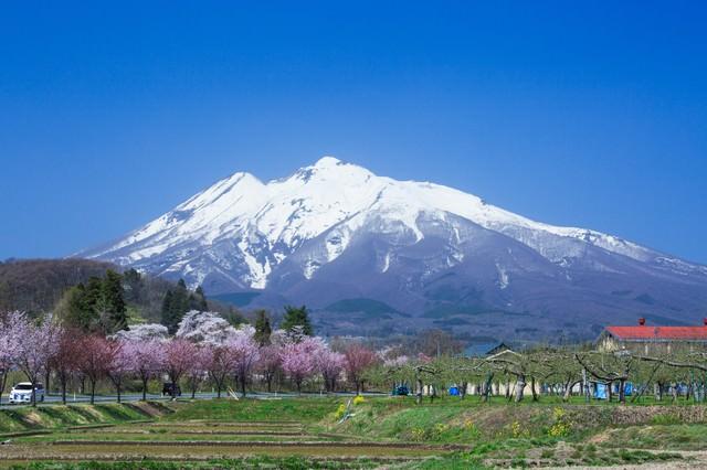 岩木山のある風景の写真