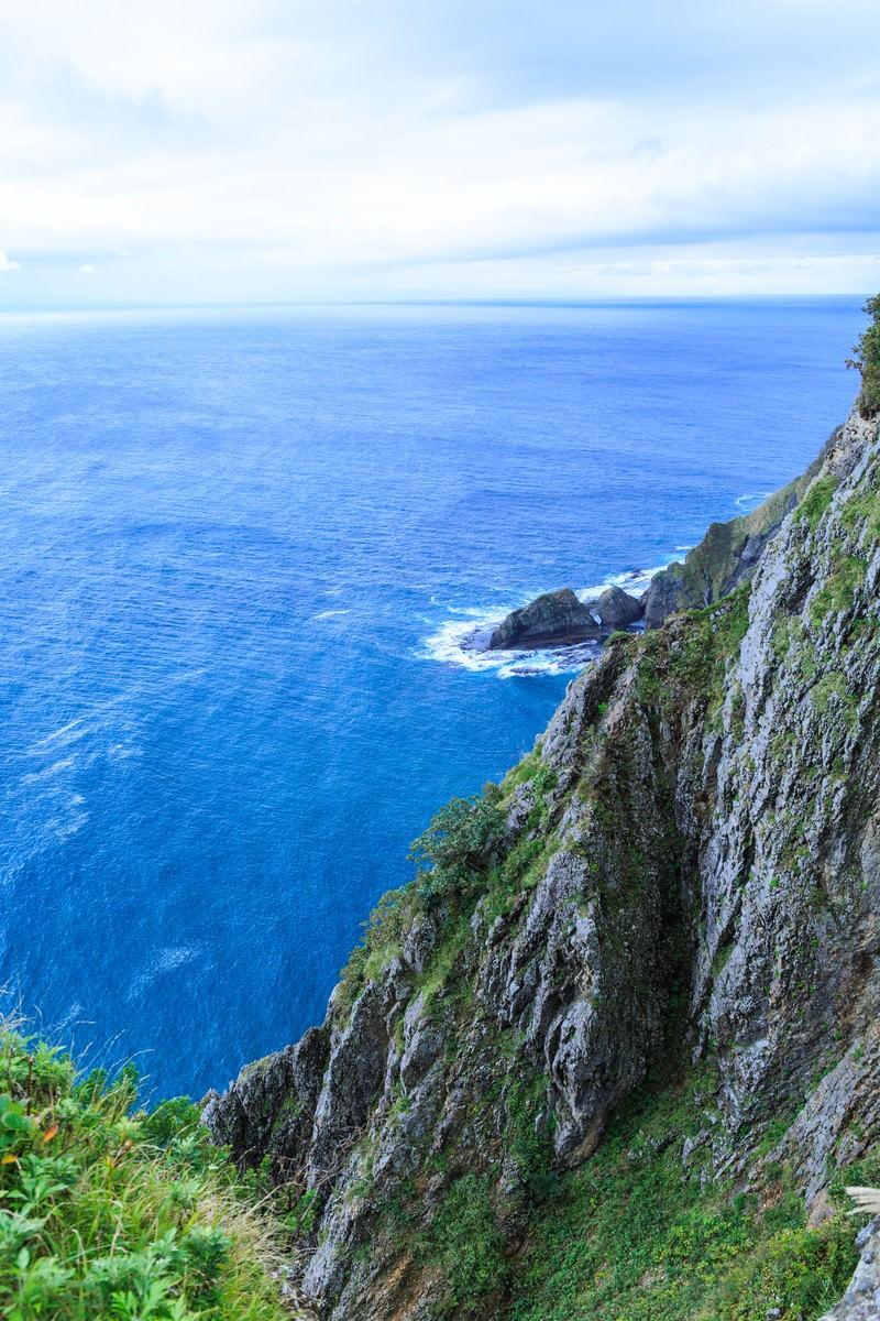 「地球岬の断崖」の写真