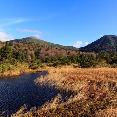 「晩秋の八甲田山」の写真素材