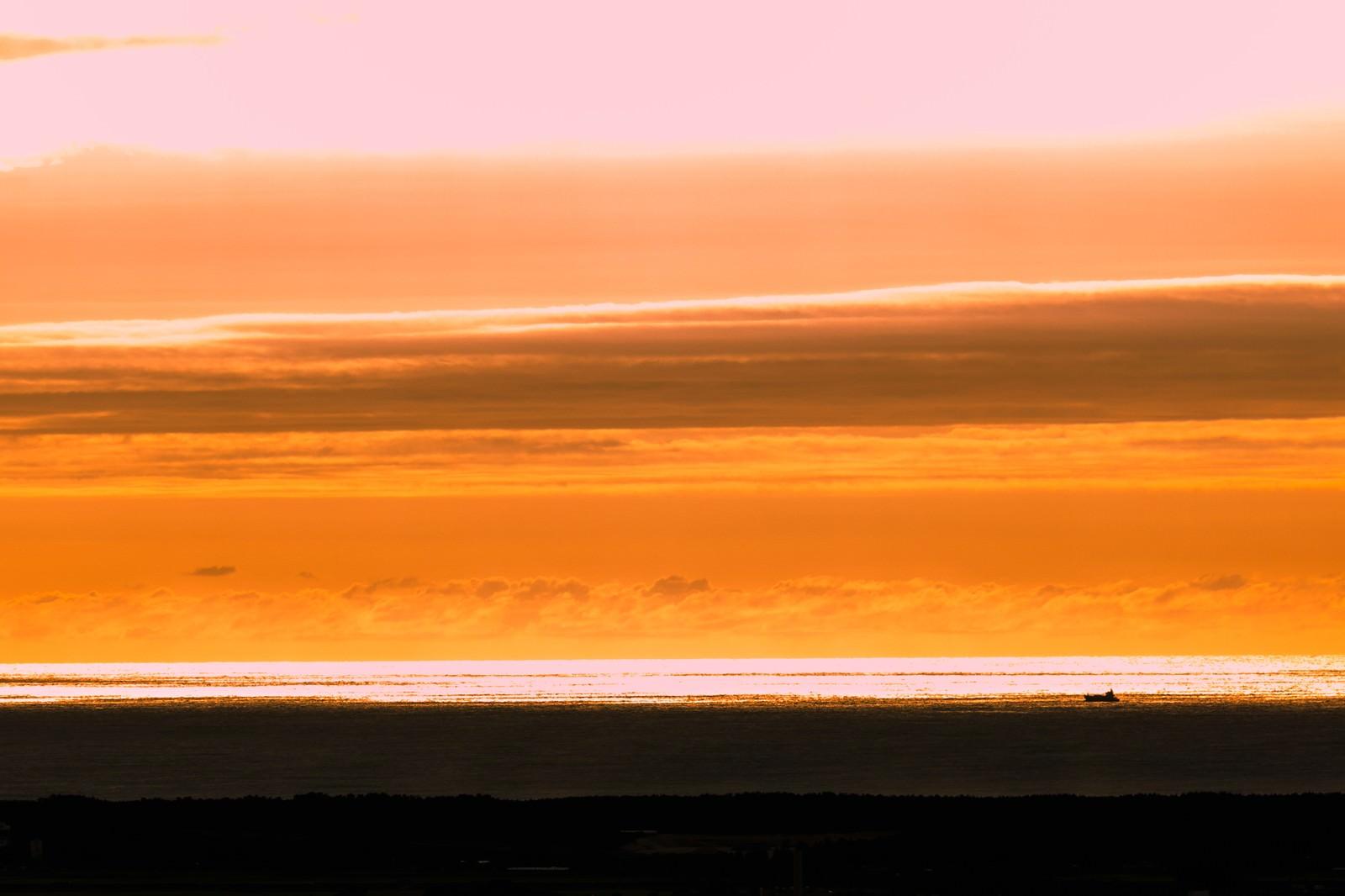 「日本海の夕暮れ」の写真