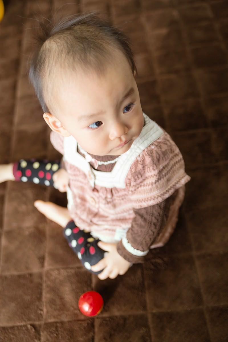 「半べその赤ちゃん」の写真[モデル:あんじゅ]