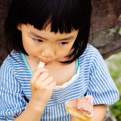 「アイスクリームペロリ」の写真素材
