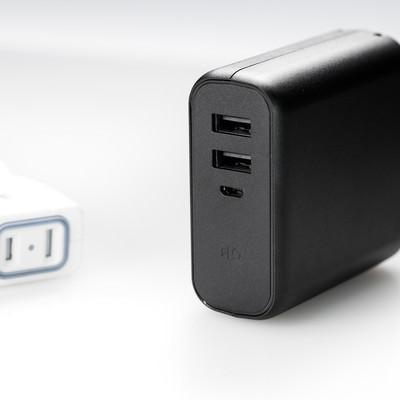 USBポートが2つあるモバイルバッテリーの写真