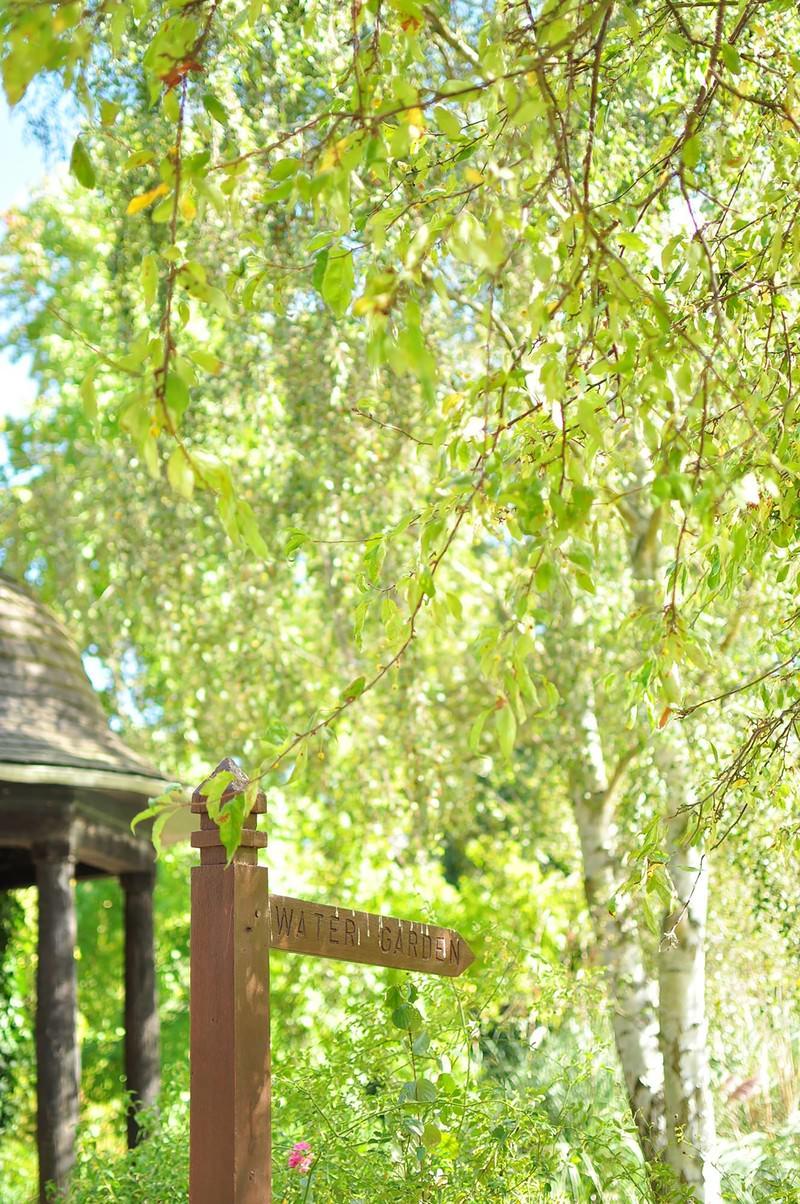「ハンプシャー州マナーハウスの庭園」の写真