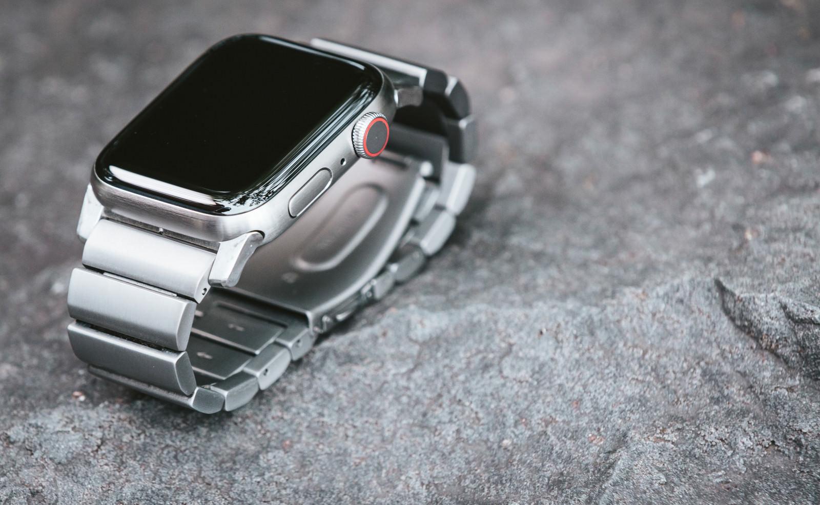 「Apple Watch Series 5」の写真