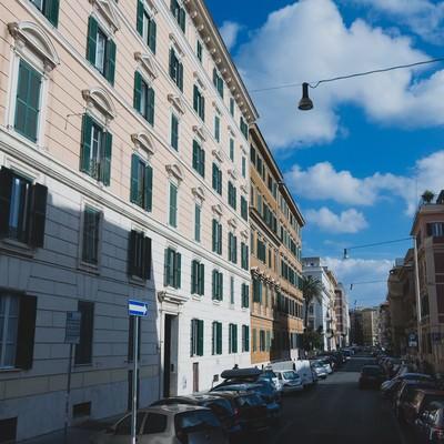 イタリアのマンション街の写真