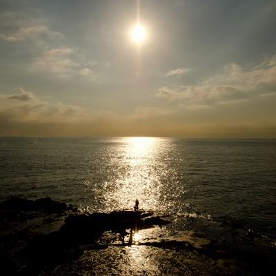 「江ノ島の海と太陽」の写真素材