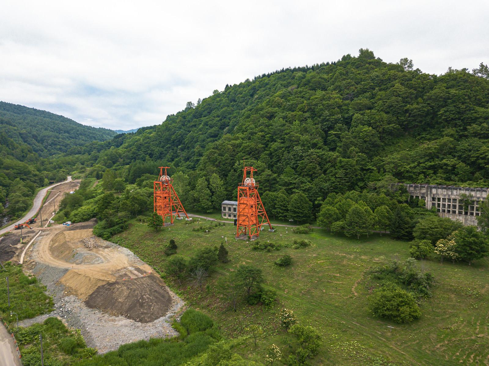 「美唄炭鉱の立坑櫓(たてこうやぐら)」の写真