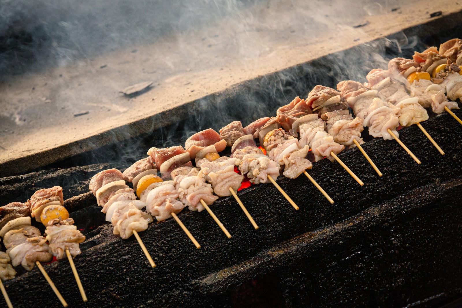 「鶏の様々な部位を食べられる美唄焼き鳥」の写真