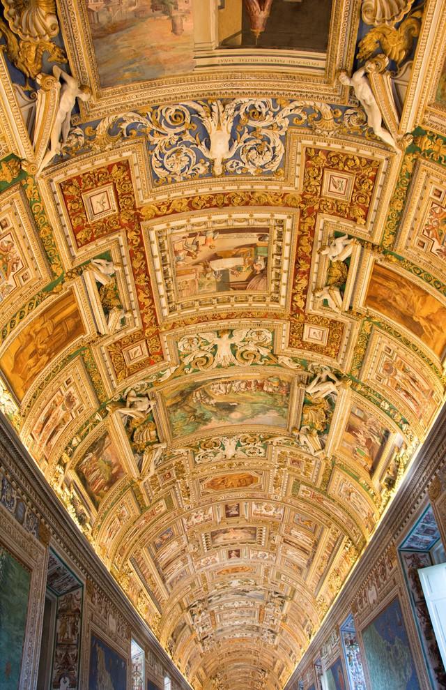 バチカン美術館の天蓋画の写真