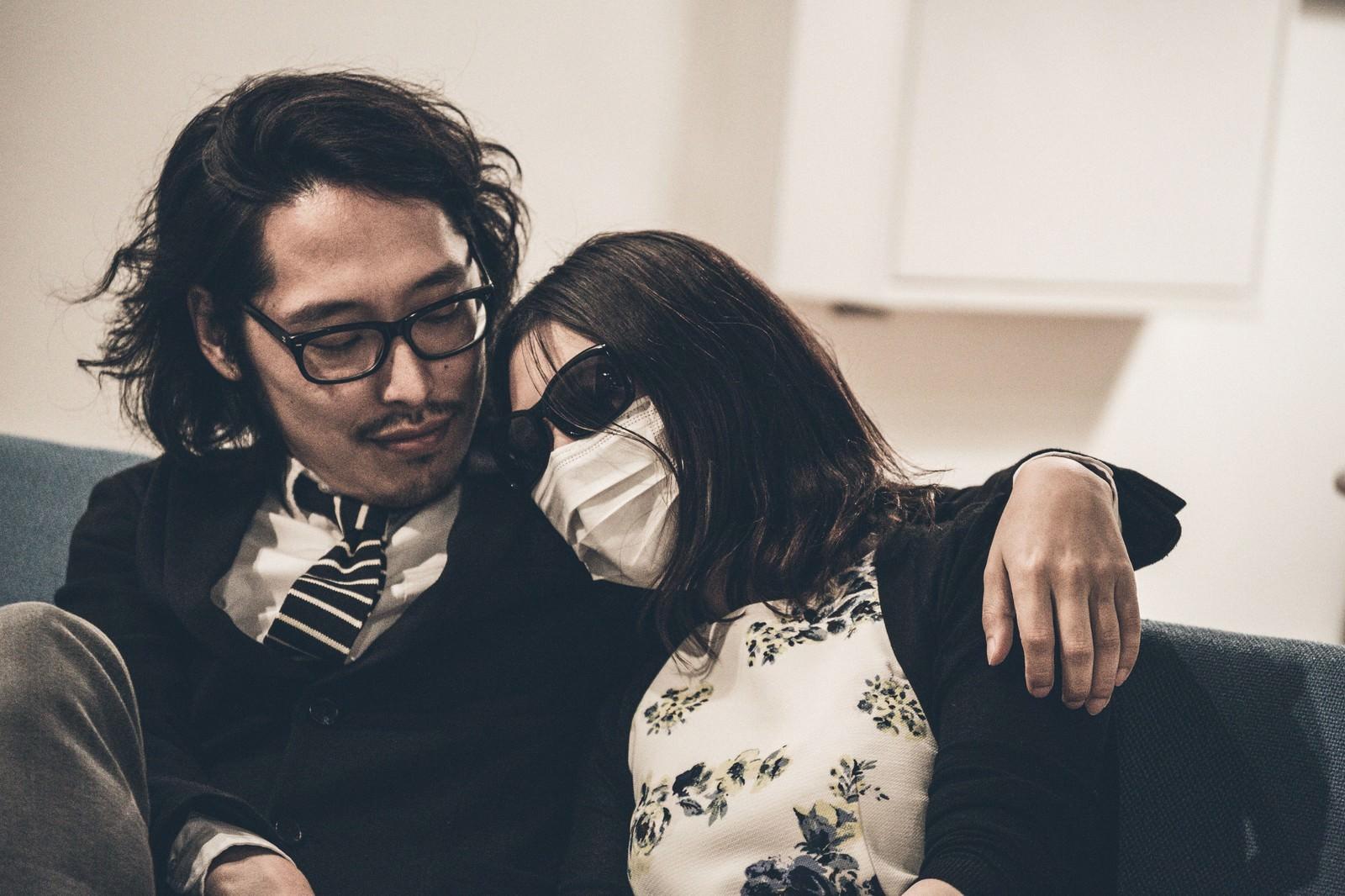 「顔出しNGの嫁顔出しNGの嫁」[モデル:ゆうせい]のフリー写真素材を拡大