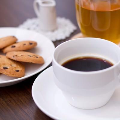 「コーヒーとクッキー」の写真素材