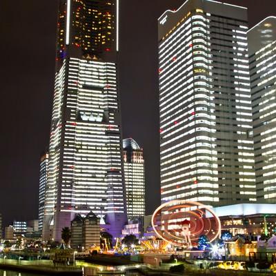 「ランドマークタワーの夜景」の写真素材