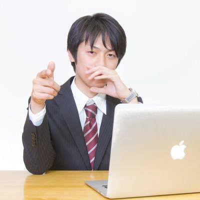 「その提案を指摘するビジネスマン」の写真素材