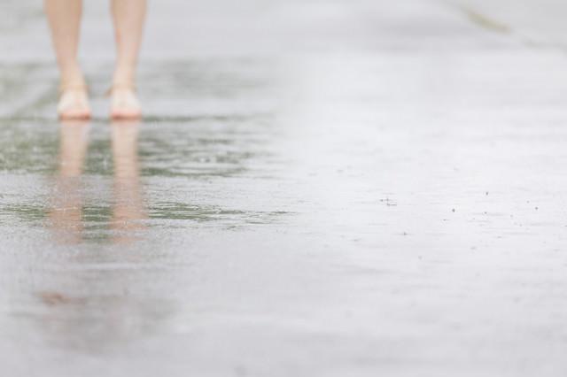 雨が降りはじめるの写真