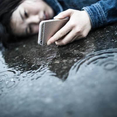 「悲しい雨の日の出来事」の写真素材