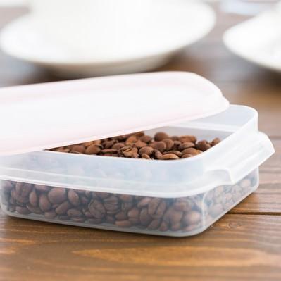 「密閉容器に入ったコーヒー豆」の写真素材