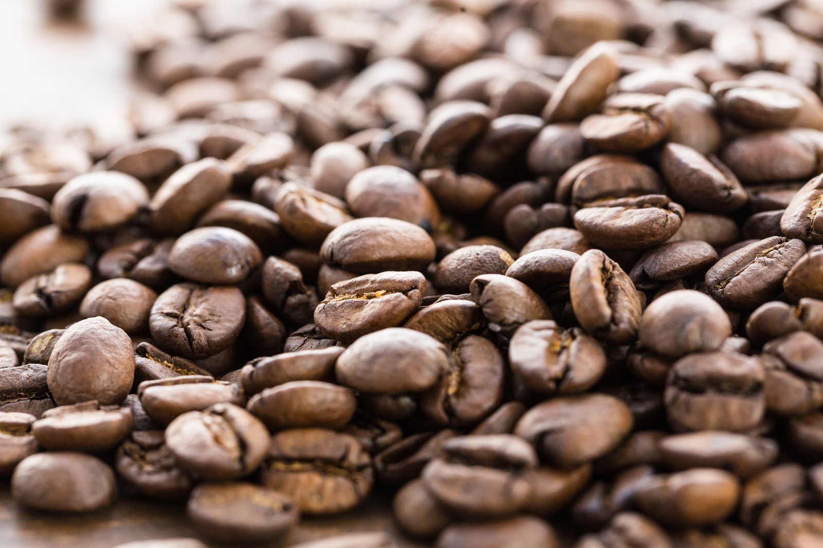 「浅煎りの珈琲豆浅煎りの珈琲豆」のフリー写真素材を拡大