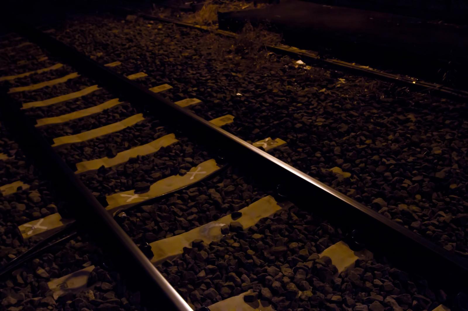 「月明かりの線路」の写真