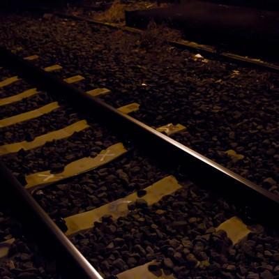 「月明かりの線路」の写真素材