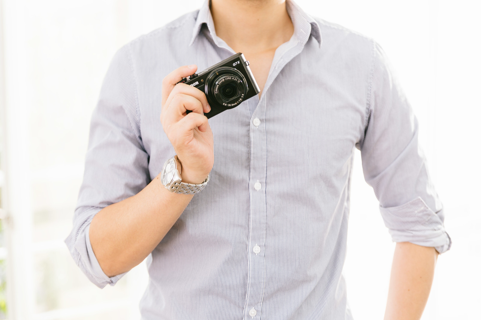 「新しく買ったコンデジで撮影しちゃうぞ!(週末父さん)新しく買ったコンデジで撮影しちゃうぞ!(週末父さん)」のフリー写真素材を拡大